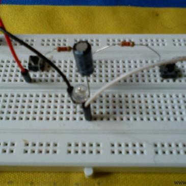 جلسه دهم : اولین مدار با خازن ، مقاومت و LED