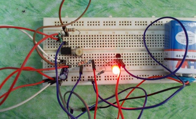 مدار تست ترانزیستور با آی سی 555